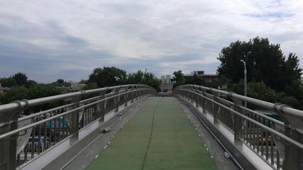 珠市口不锈钢扶手天桥